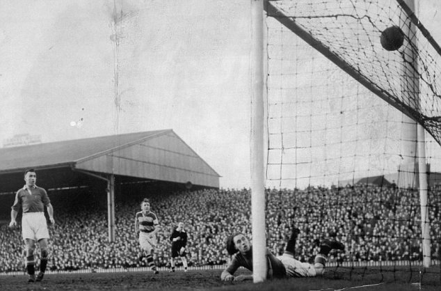 jim-lewis-scores-avenues-equaliser-at-old-trafford