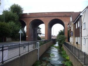 Il viadotto di Cray Valley costruito nel 1860 - copyright Richard Bowdery